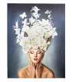 Cuadro mujer con tocado blanco